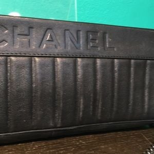 CHANEL Bags - CHANEL CLUTCH